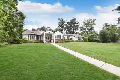 Old Westbury Single Family Home For Sale: 2 Rolling Dr