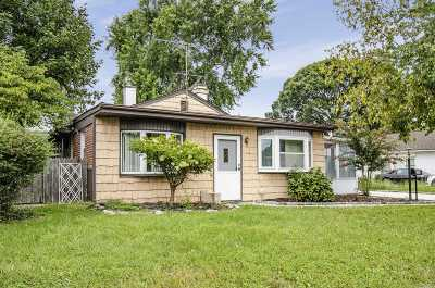 East Meadow Single Family Home For Sale: 2607 Alder St