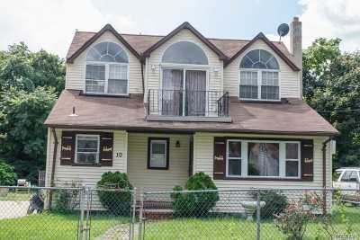 Bay Shore Single Family Home For Sale: 10 Belgrave Ave