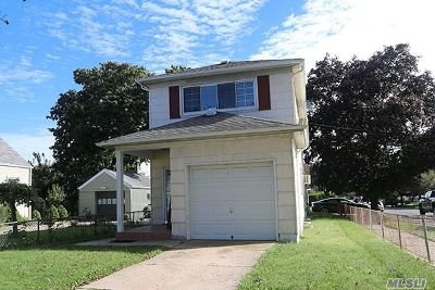 Garden City Single Family Home For Sale: 34 5th Ave