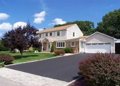 S. Setauket Single Family Home For Sale: 51 Strathmore Villa Dr