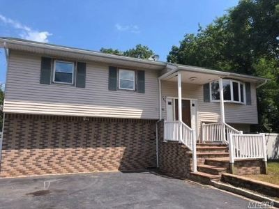 Brentwood Single Family Home For Sale: 183 Nolin St