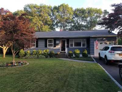 Sayville Single Family Home For Sale: 130 Marion St
