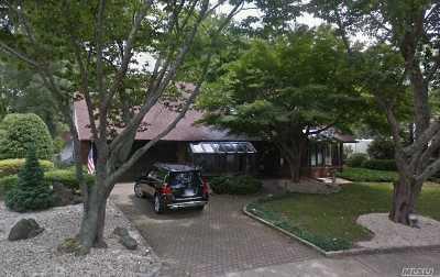 Hewlett Single Family Home For Sale: 169 Pebble Ln