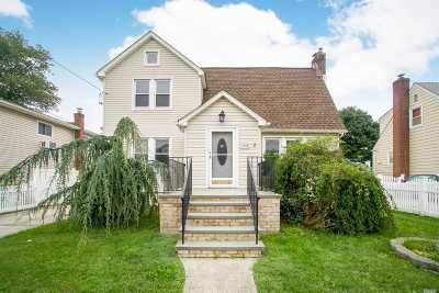 Bellmore Single Family Home For Sale: 2503 S Centre Ave