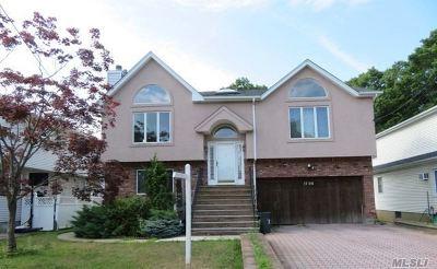 Merrick Single Family Home For Sale: 1790 Grand Ave