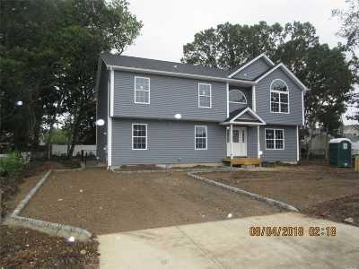 Bay Shore Single Family Home For Sale: 1701 Central Blvd