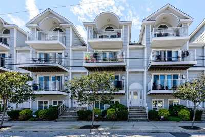 Long Beach Condo/Townhouse For Sale: 149 Monroe Blvd