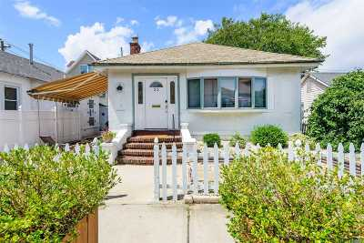 Long Beach NY Single Family Home For Sale: $499,000