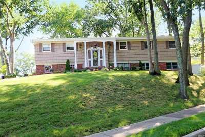 East Norwich Single Family Home For Sale: 1 Split Oak Dr