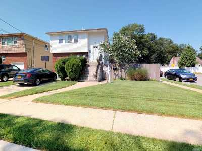 Merrick Multi Family Home For Sale: 1438 Park Ave