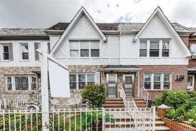 Jackson Heights Single Family Home For Sale: 34-17 71st St