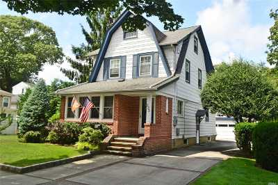 Malverne Single Family Home For Sale: 235 Cornwell Ave