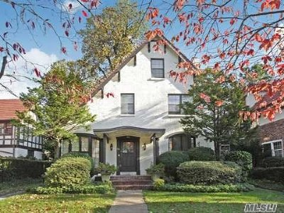 Forest Hills Single Family Home For Sale: 94 Groton St