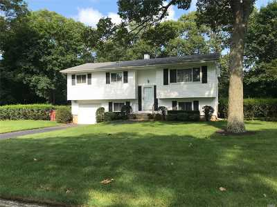 Lake Ronkonkoma Single Family Home For Sale: 3 E Northfield Dr