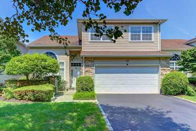 Hauppauge NY Single Family Home For Sale: $739,000