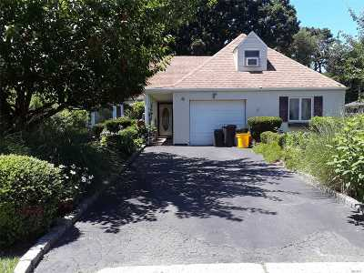 Islandia Single Family Home For Sale: 67 Sagebrush Ln