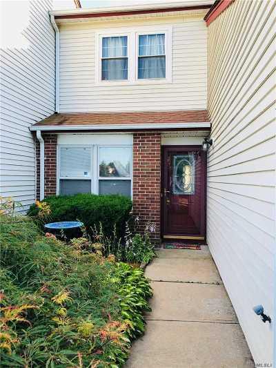 Coram Condo/Townhouse For Sale: 12 Braddock Ct