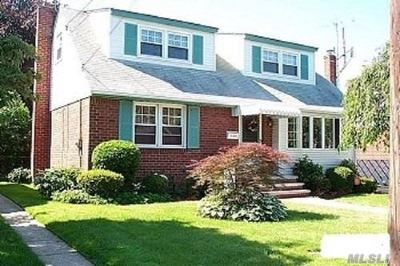 New Hyde Park Single Family Home For Sale: 128 Atlantic Ave