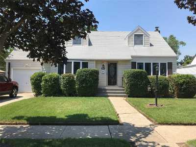 East Meadow Single Family Home For Sale: 1819 Grant Ave