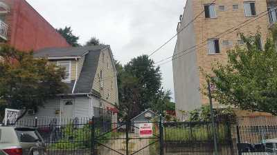 Corona Single Family Home For Sale: 112-13/15 39th Ave