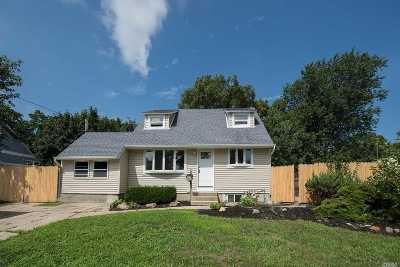 Brentwood Single Family Home For Sale: 216 Hilltop Dr