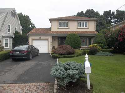 Syosset Single Family Home For Sale: 38 Calvin Ave