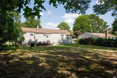 Brentwood Single Family Home For Sale: 786 Commack Rd
