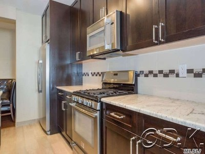 Long Beach Condo/Townhouse For Sale: 25 W Broadway #607