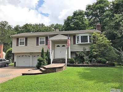 Hauppauge Single Family Home For Sale: 373 Old Willets Path