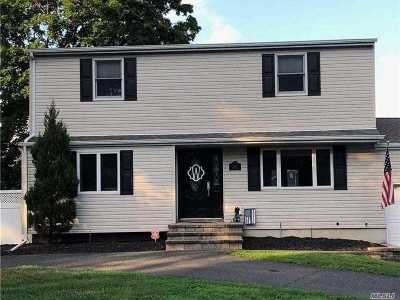 Sayville Single Family Home For Sale: 107 Terry Rd