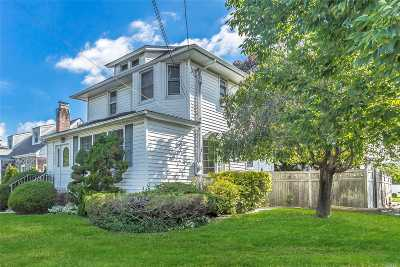 Bellmore Single Family Home For Sale: 1595 Bellmore Rd