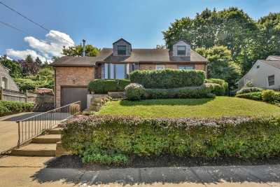 Oyster Bay Single Family Home For Sale: 20 Gailview Dr
