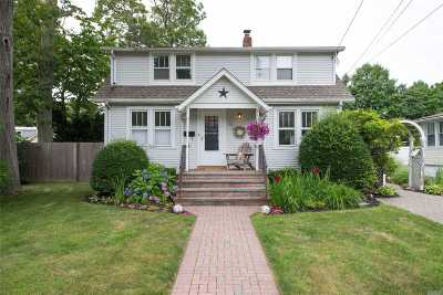 Islip Single Family Home For Sale: 13 Bay 3rd St