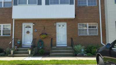 Valley Stream Condo/Townhouse For Sale: 98 Franklin Ave #27
