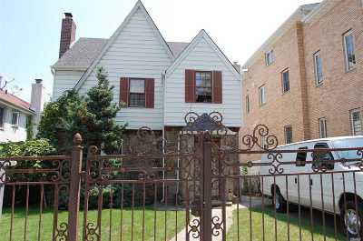 Flushing Single Family Home For Sale: 58-07 146th St