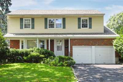 Great Neck Single Family Home For Sale: 45 Soundview Dr