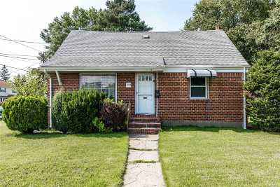 East Meadow Single Family Home For Sale: 1903 Freeman Ave