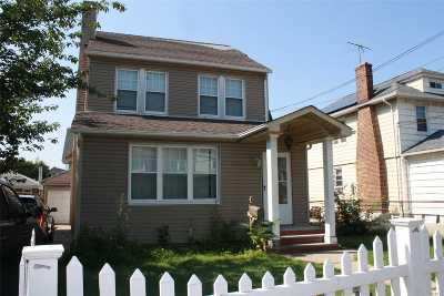Flushing Single Family Home For Sale: 149-04 46th Ave