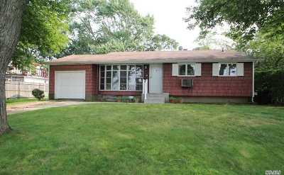 Brentwood Single Family Home For Sale: 9 Winston Dr