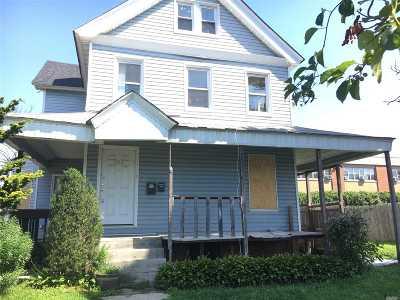 Lawrence Single Family Home For Sale: 204 Mott Ave
