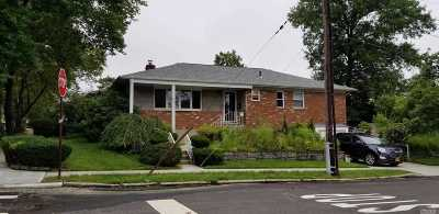 Little Neck Single Family Home For Sale: 60-40 264th St