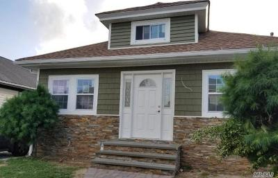 Roosevelt Single Family Home For Sale: 21 Ronald Pl