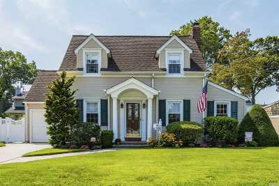 Single Family Home For Sale: 22 E Webster St