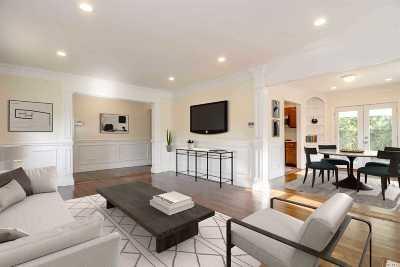 Merrick Single Family Home For Sale: 110a Henry Rd