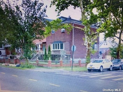 Flushing Single Family Home For Sale: 51-02 Parsons Blvd