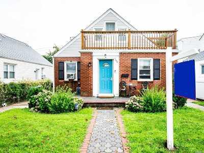 Long Beach Multi Family Home For Sale: 240 E Hudson St