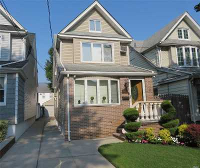 Middle Village Single Family Home For Sale: 66-14 78th St
