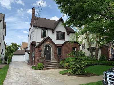 W. Hempstead Single Family Home For Sale: 235 Colony St