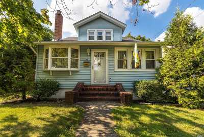 Merrick Single Family Home For Sale: 58 Bedford Ave